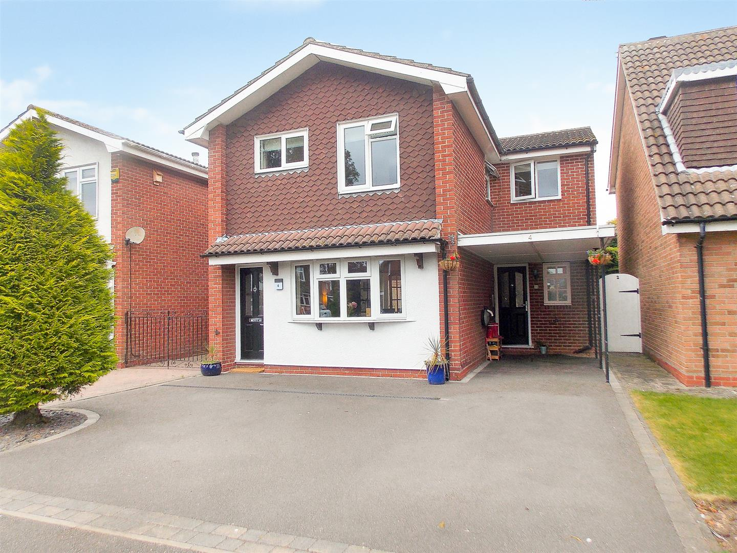4 Bedrooms Detached House for sale in Plackett Close, Breaston